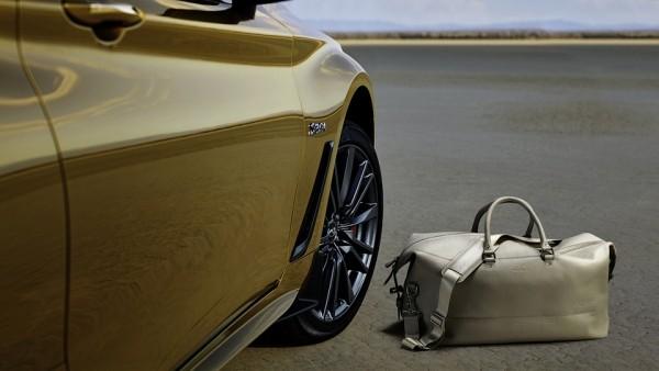 Инфинити сделала особенное купе Q60 для новогоднего ассортимента презентов