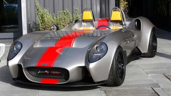 «Доступный» спорткар из ОАЭ получит съемный верх