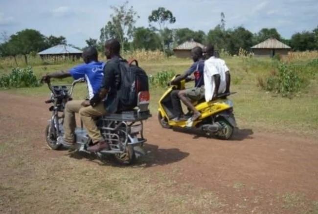 В Кении придумали мотоцикл на солнечных батареях
