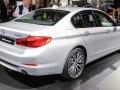 В Детройте дебютировал гибридный седан BMW 530e iPerformance - фото 4