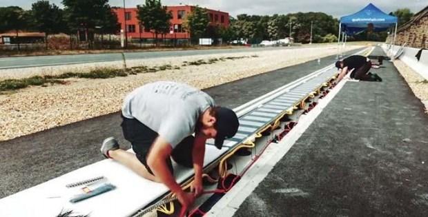 У Франції почали тестування дороги з безпровідною зарядкою для електрокарів