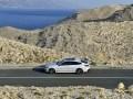 Компания BMW официально представила нового представителя 6 серии - фото 22