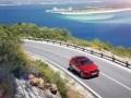 Jaguar E-Pace попал в Книгу Гиннесса за самую длинную «бочку» в мире - фото 37