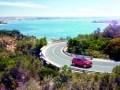Jaguar E-Pace попал в Книгу Гиннесса за самую длинную «бочку» в мире - фото 38