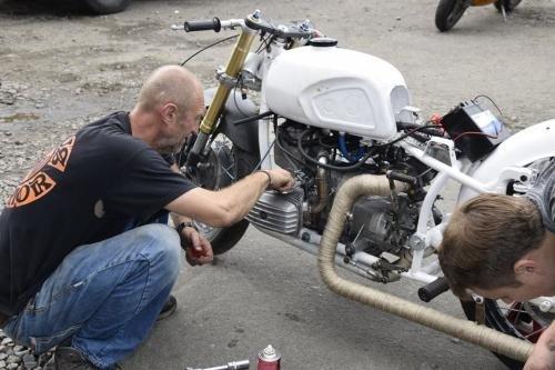 Украинский гонщик Сергей Малик на мотоцикле Днепр попробует установить рекорд скорости в США