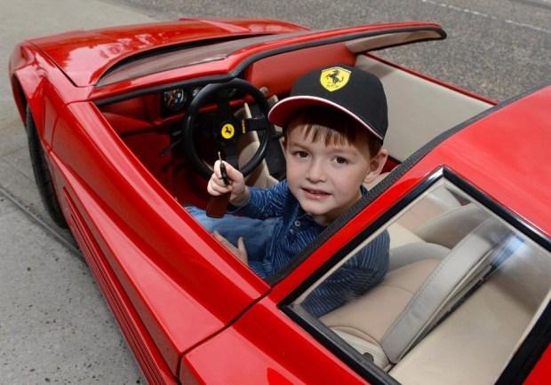 Детский автомобиль продадут за 100 тыс долларов