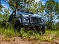 Перестроенный Land Rover Defender получил имя Kingsman - фото 3