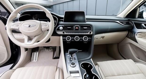Хёндай официально представила новый седан Genesis G70