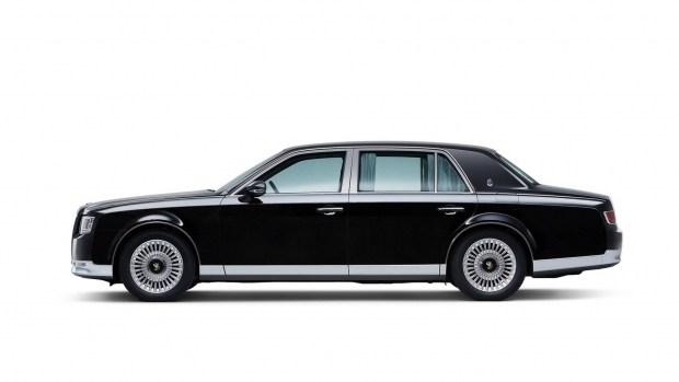 Тоёта  рассекретила две новинки доофициальной премьеры на автомобильном салоне  вТокио