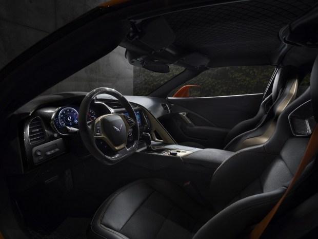 Шевроле представил самый мощнейший завсю историю Corvette