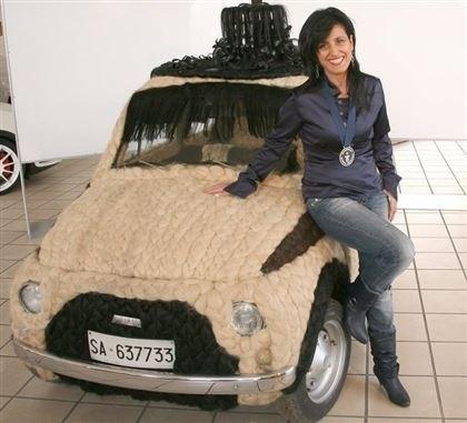 Итальянка сделала самый волосатый автомобиль