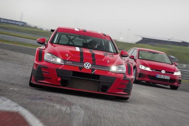 Новый Фольксваген Golf GTI TCR готов принять участие вгонках 2018 года