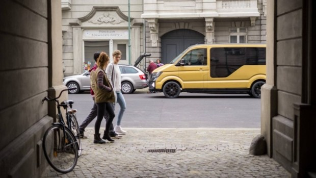 Представлен электрический минивэн наоснове нового VW Transporter— «Маршрутка» по-немецки