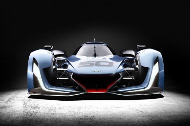 В 2015 году на автосалоне во Франкфурте компания Hyundai представила виртуальный суперкар N 2025. Автомобиль оснастили четырьмя электромоторами, комплектом водородных ячеек и суперконденсатором, аккумулирующий энергию торможения. Отдача силовой установки составила 871 лошадиную силу.