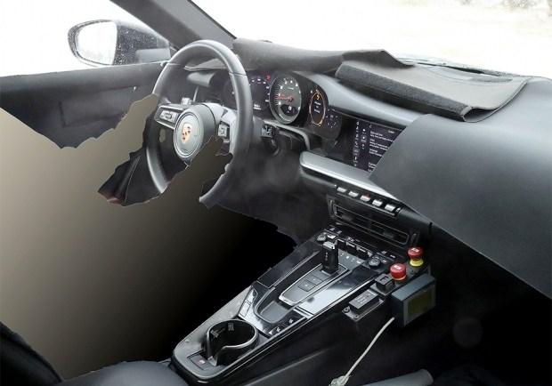 Примерно таким будет интерьер нового Porsche 911. Фото autoexpress.co.uk