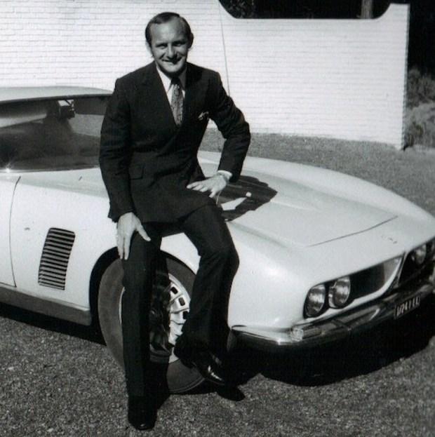 Майк Хейлвуд вместе со своей машиной