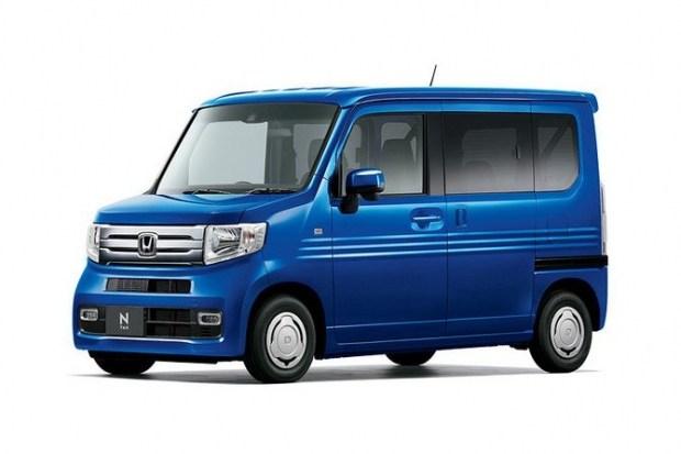 Honda N-VAN в исполнении Cool имеет стандартную по высоте крышу.