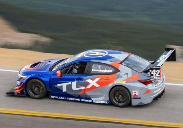 Acura TLX GT Питера Каннингема
