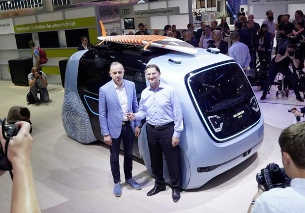 Руководители цифрового направления в концерне Volkswagen Мартин Хофманн (слева) и Йоханн Юнгвирт