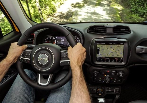 Фото и детали улучшенного Jeep Renegade 2019