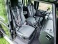 Land Rover Джеймса Бонда продадут на аукционе - фото 9