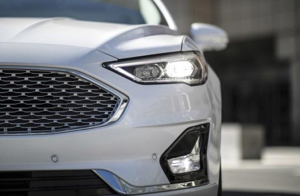 актуальный седан Ford Fusion для рынка США