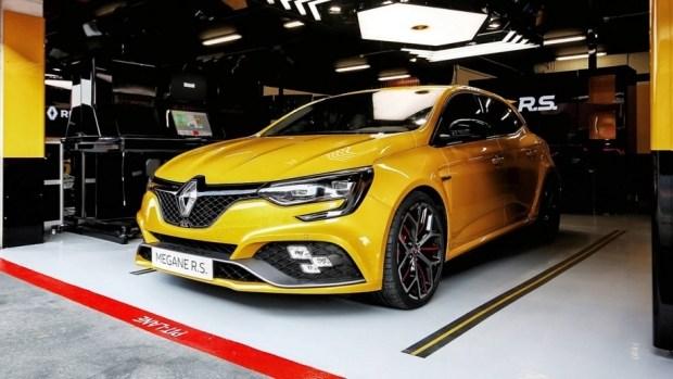Renault представила 300-сильную версию хэтчбека MeganeRS Trophy