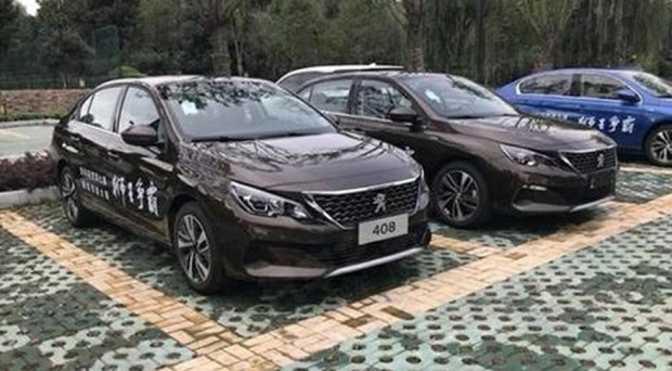 обновленный Peugeot 408 второго поколения, версия для Китая