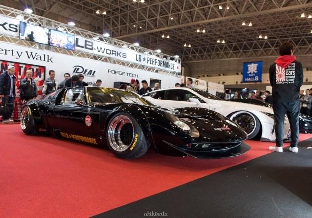 Японское ателье Liberty Walk на тюнинг-шоу в Токио представило классическое купе Lamborghini Miura, выполненное в стиле «кайдо»