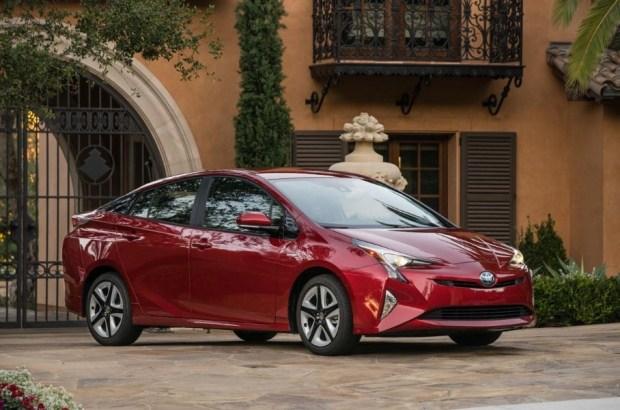 Тоёта покажет улучшенный Prius вЛос-Анджелесе