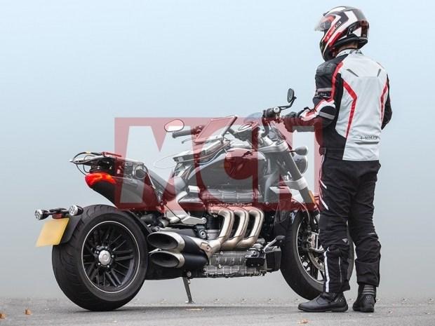 Шпионское фото более бюджетной версии Triumph Rocket