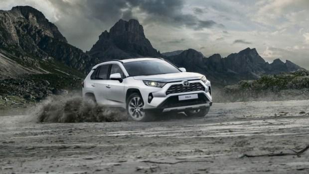 Из-за скандала на 'лосином тесте' Toyota доработает RAV4