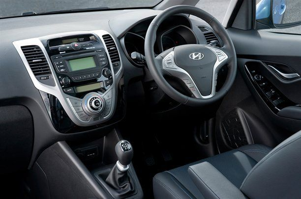 Hyundai x20 фото