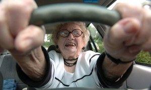 Автолюбители проводят в поисках авто парковки 11 лет жизни