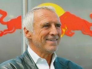 Обладатель автоконцерна Red Bull выступил против командной стратегии