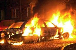 Поджог в Киеве : Daewoo Lanos, Toyota RAV4 и Chevrolet Lacetti загорелись одновременно (ФОТО)
