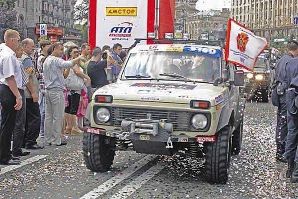 Днепропетровские спасатели ехали за Януковичем по дебрям