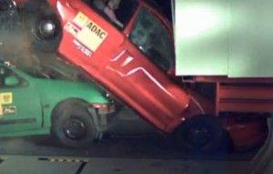Что будет, в случае если грузовой автомобиль въедет в автомобильную пробку. Итоги краш-теста