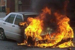 Киев - Печерск : Mercedes GL сгорел полностью (ФОТО)