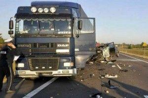 В Польше автобус с украинцами залетел в фуру, есть жертвы