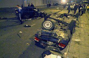 В Одессе пьяный СБУшник снес столб и убил пассажира, а бизнесмен таранил 4 авто и перевернулся