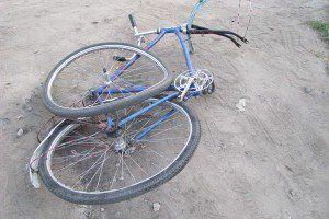 Милиционер насмерть сбил школьника-велосипедиста