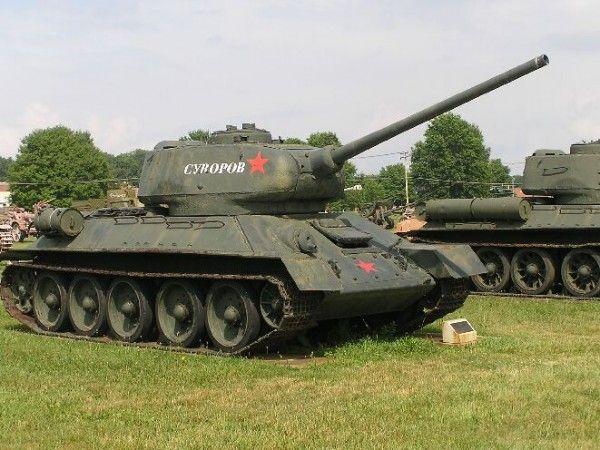 Брэд Питт купил советский танк Т-34. Знаменитости и автомобили брэд пит фильм танк