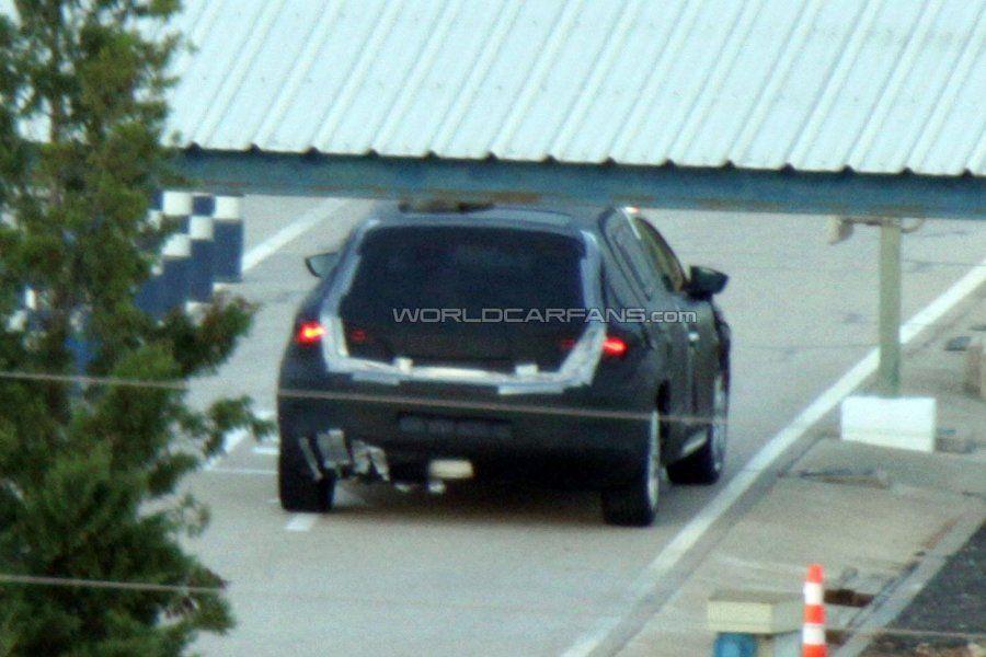 2013 Seat Leon попал в кадр.