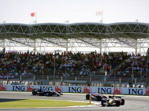 Экклстоун привезет Формулу-1 в Бахрейн невзирая на массовые волнения