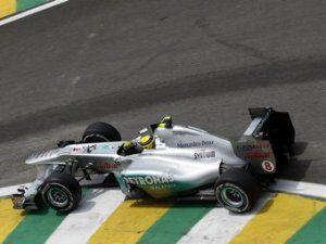 У нового болида Mercedes AMG обнаружили секретный диффузор