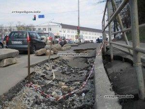 Киев: улица Васильковская уходит под землю...