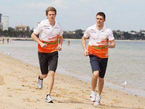 Бригада Force India оставит гонщиков на 2015 год