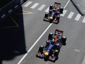 Окна в днище болидов Red Bull объявлены незаконными