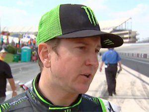 Победителя NASCAR отвели от автогонки за унижение журналиста